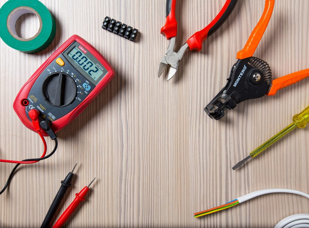 electricien-outils
